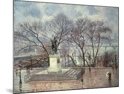 The Pont Neuf, Paris, 1902-Camille Pissarro-Mounted Giclee Print