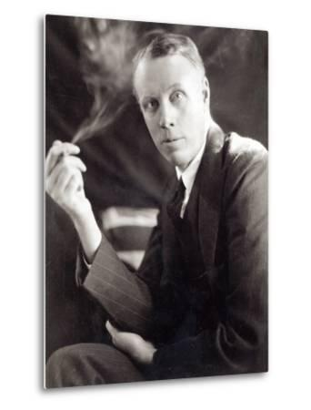 Sinclair Lewis (1885-1951), Photographed by Underwood and Underwood, 1930-Underwood & Underwood-Metal Print
