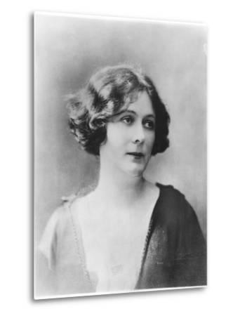 Portrait of Isadora Duncan (1877-1927)-French Photographer-Metal Print