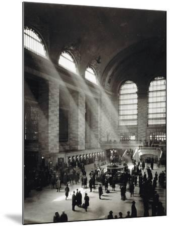 Holiday Crowd at Grand Central Terminal, New York City, c.1920-American Photographer-Mounted Photographic Print