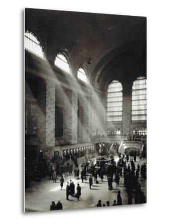 Holiday Crowd at Grand Central Terminal, New York City, c.1920-American Photographer-Metal Print