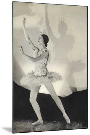 Dame Margot Fonteyn de Arias, from 'Footnotes to the Ballet', Published 1938--Mounted Photographic Print