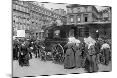 Sisters of St. Vincent de Paul Leaving, Gare de l'Est, Paris, 1914-Jacques Moreau-Mounted Photographic Print