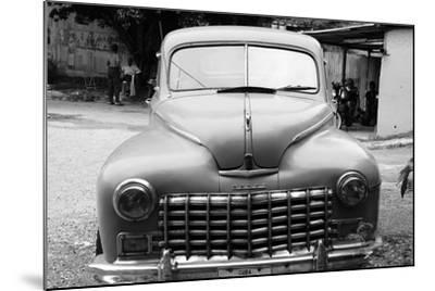 Dodge, Havana, Cuba--Mounted Photographic Print