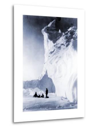 Dog Team Resting During the Terra Nova Expedition, 1910-Herbert Ponting-Metal Print