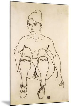 Seated Nude with Shoes and Stockings; Sitzende Akt Mit Schuhen Und Strumpfen, 1918-Egon Schiele-Mounted Giclee Print