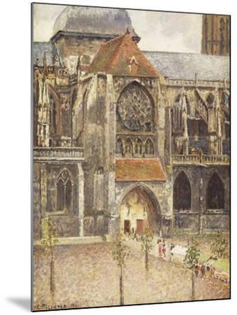 Portal of the Church of the Saint-Jaques in Dieppe; Portail de l'Eglise Saint-Jaques a Dieppe, 1901-Camille Pissarro-Mounted Giclee Print