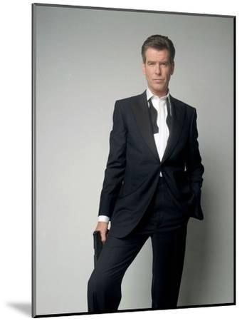Tomorrow Never Dies 1997 Directed by Roger Spottiswoode Pierce Brosnan--Mounted Photo