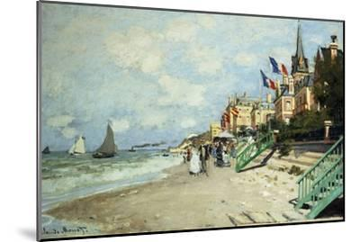 The Beach at Trouville; La Plage a Trouville, 1870-Claude Monet-Mounted Giclee Print