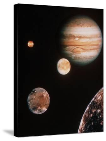 Voyager Mosaic of Jupiter & Its 4 Galilean Moons--Stretched Canvas Print