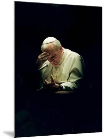 Pope John Paul II Reading a Prayer--Mounted Photographic Print