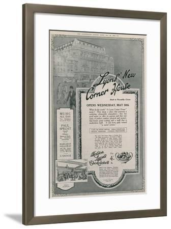 Lyons' New Corner House, Piccadilly Circus, London--Framed Giclee Print