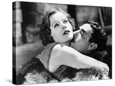 Greta Garbo and John Gilbert in Flesh and the Devil--Stretched Canvas Print