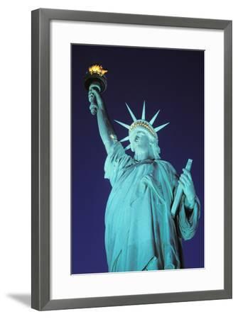 Statue of Liberty, New York, USA-Peter Bennett-Framed Photographic Print