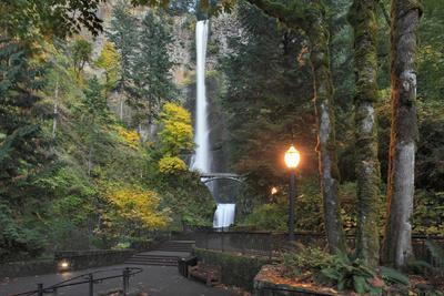Multnomah Falls, Columbia River Gorge, Oregon, USA-Jaynes Gallery-Framed Photographic Print