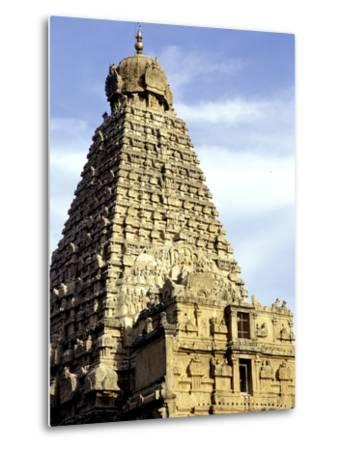 Brahadeeshwara Temple, UNESCO World Heritage Site, Thanjavur, Tamil Nadu, India, Asia-Balan Madhavan-Metal Print