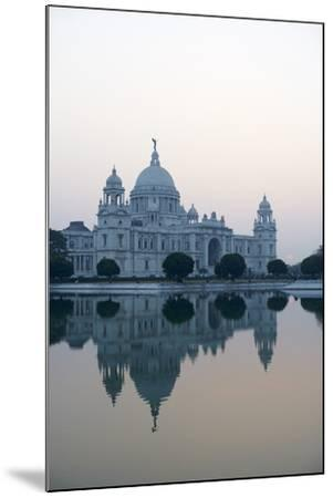 Victoria Memorial, Chowringhee, Kolkata (Calcutta), West Bengal, India, Asia-Bruno Morandi-Mounted Photographic Print