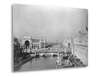 Visitors Strolling at Chicago Exposition--Metal Print