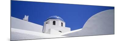 Low Angle View of a House, Oia, Santorini, Cyclades Islands, Greece--Mounted Photographic Print