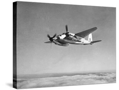 De Havilland Mosquito in Flight--Stretched Canvas Print