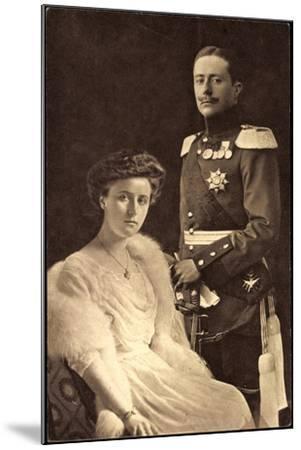 Großherzog Wilhelm Ernst, Großherzogin Feodora--Mounted Giclee Print