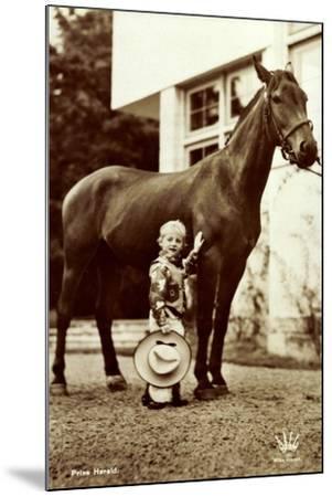 Prins Harald, Prinz Harald Von Norwegen Als Cowboy, Kleines Kind, Pferd--Mounted Giclee Print
