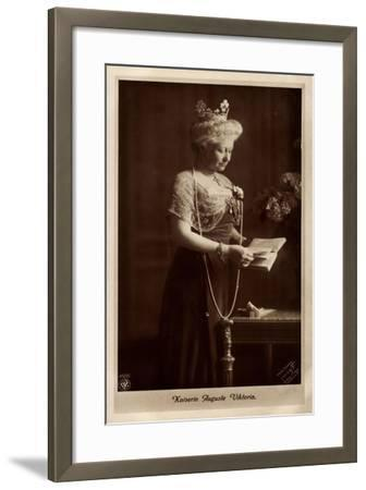 Kaiserin Auguste Viktoria, Perlenkette, Npg 4606--Framed Giclee Print