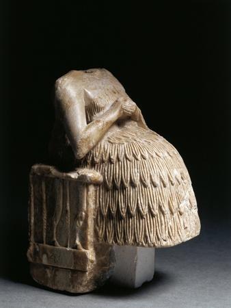 Syria, Tell Aswad, Sculpture Representing a Seated Female Figure, Circa 2550-2330 B.C.--Framed Giclee Print