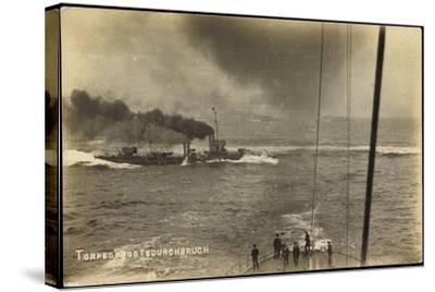 Foto Deutsches Kriegsschiff, Torpedobootsdurchbruch--Stretched Canvas Print