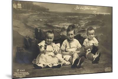 Die Drei Söhne Unseres Kronprinzenpaares, Strand, Ph--Mounted Giclee Print