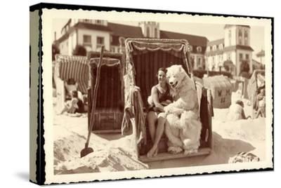 Strandleben, Strandkorb, Eisbärenkostüm, Frau in Badeanzug--Stretched Canvas Print