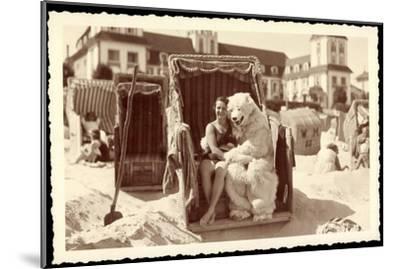 Strandleben, Strandkorb, Eisbärenkostüm, Frau in Badeanzug--Mounted Giclee Print