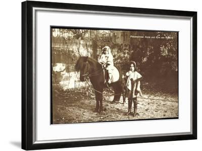 Prinzessinnen Marie Und Kyra Von Rußland Mit Pony--Framed Giclee Print