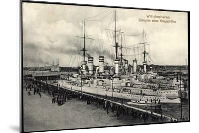 Wilhelmshaven, Einlaufen Eines Kriegsschiffes--Mounted Giclee Print