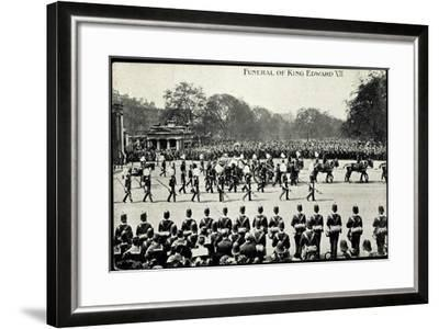 Funeral of King Edward 7, 20th May 1910, Gun Carriage--Framed Giclee Print