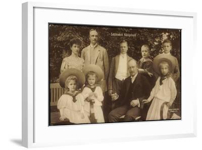 König Friedrich August Von Sachsen Mit Familie--Framed Giclee Print