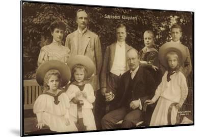 König Friedrich August Von Sachsen Mit Familie--Mounted Giclee Print