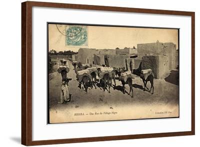 Biskra Algerien, Une Rue Du Village Nègre, Bepackte Kamele--Framed Giclee Print