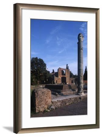Italy, Latium Region, Rome Province, Tivoli, Hadrian's Villa, Building with Three Exedras--Framed Giclee Print