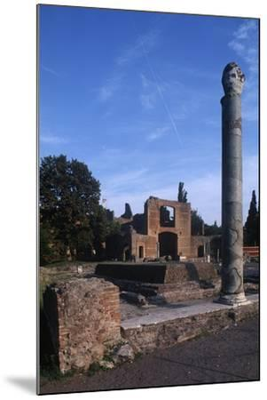 Italy, Latium Region, Rome Province, Tivoli, Hadrian's Villa, Building with Three Exedras--Mounted Giclee Print