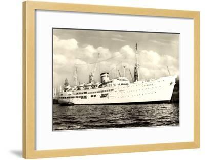 Hamburger Hafen, Dampfer Ariadne Vor Anker--Framed Giclee Print