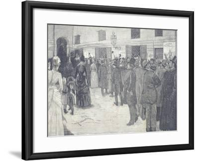 Queue at the Door of the Gallery at La Scala Theatre in Milan for the Opening Night of Othello--Framed Giclee Print