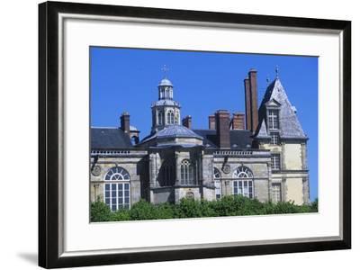 France, Ile-De-France, Fontainebleau, 16th Century Fontainebleau Palace--Framed Giclee Print