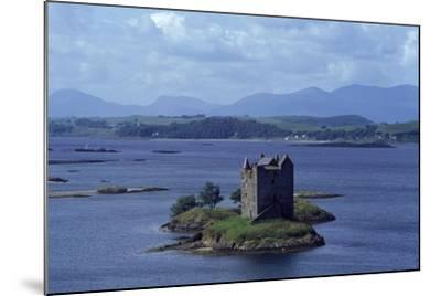 Castle Stalker on Loch Laich, Scotland, UK--Mounted Giclee Print