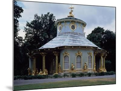 Chinese Teahouse, Circular Pavilion with Gilded 18th Century Statues--Mounted Giclee Print