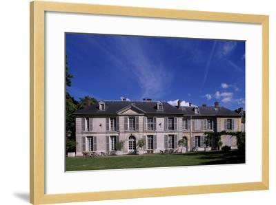Facade of Chateau De Vilmorin, Verrieres-Le-Buisson, Ile-De-France, France, 17th-19th Century--Framed Giclee Print