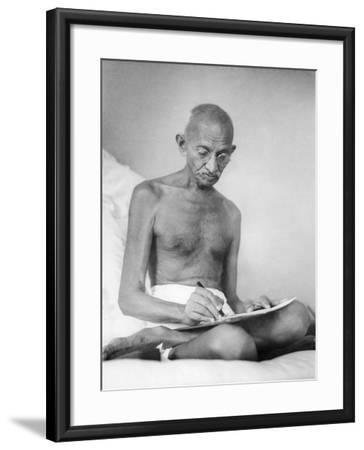 Mahatma Gandhi--Framed Photographic Print