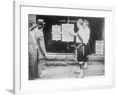Recruiting, Montreal, 1914--Framed Photographic Print