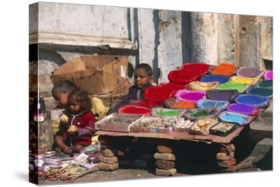 Children at a Colour Pigments Market Stand--Stretched Canvas Print