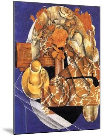 Still Life with Flowers, 1914-Juan Gris-Mounted Giclee Print